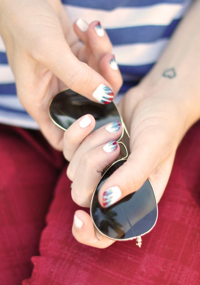 DIY Tie Dye Nails ~ Red, White, & Blue Manicure for the 4th of JulyDiy Ties, 4Thofjuly, Ties Dyes Nails, Nails Art, Red White Blue, Tie Dye Nails, 4Th Of July, Blue Manicures, Diy Home