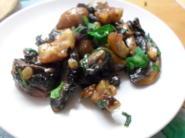 Portobello mushrooms, chestnuts & pine nuts for a vegetarian stuffing.