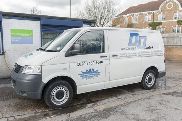 Find most reliable and affordable Car servicing in Bromley, Kent. Call experts at http://doubledee-autos.co.uk for best Garage Services solutions in Bromley, Beckenham, West Wickham and Orpington.