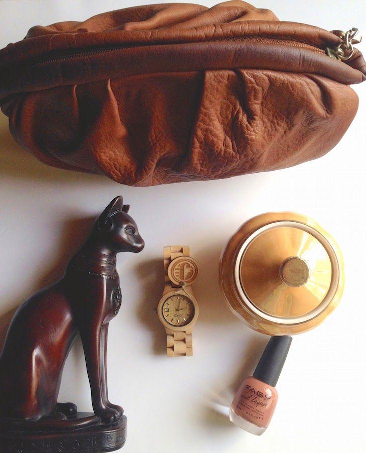 #watch #fashion #brown #wood #sculpture #stilllife #lifestyle #fashionblog #inspiration