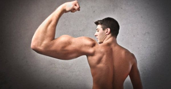 Huge list of muscle building foods, drinks and supplements for any budget. Also includes foods that vegans or vegetarians can eat to build muscle #BuildMuscle #MuscleBuildingFoods