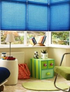 Metal venetian blinds come in a fabulous range of colours and metallic finishes ensuring their place as one of the firm favourites to be used as a childrens blind. From £29. View Online http://www.polesandblinds.com/blinds/made-to-measure/metal-venetian-blinds/ #venetianblinds #childrensblinds #kidsblinds.