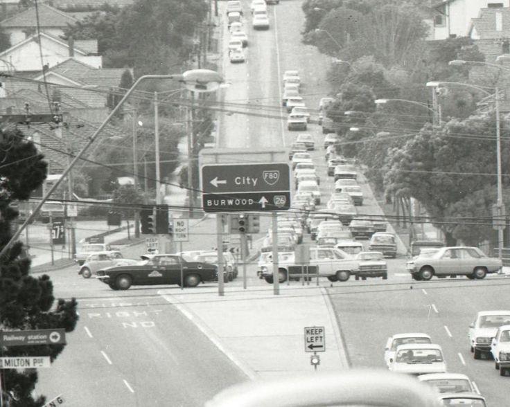Toorak Road & South Eastern Freeway 1975. Looking East towards Tooronga Road.