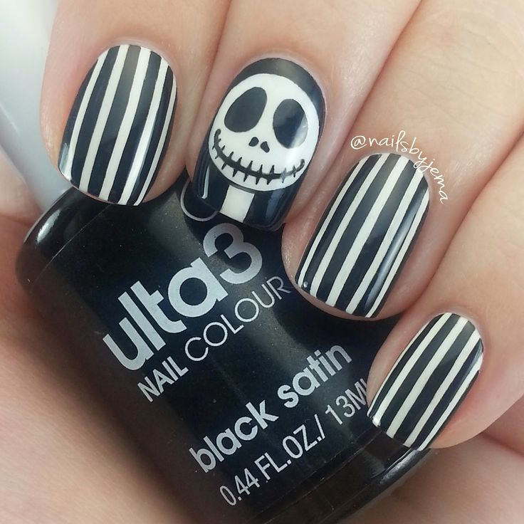Best 25+ Nightmare Before Christmas Nails Ideas On
