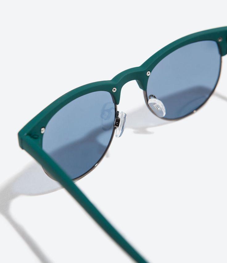 Les 25 meilleures id es de la cat gorie monture lunette for Miroir bordure doree