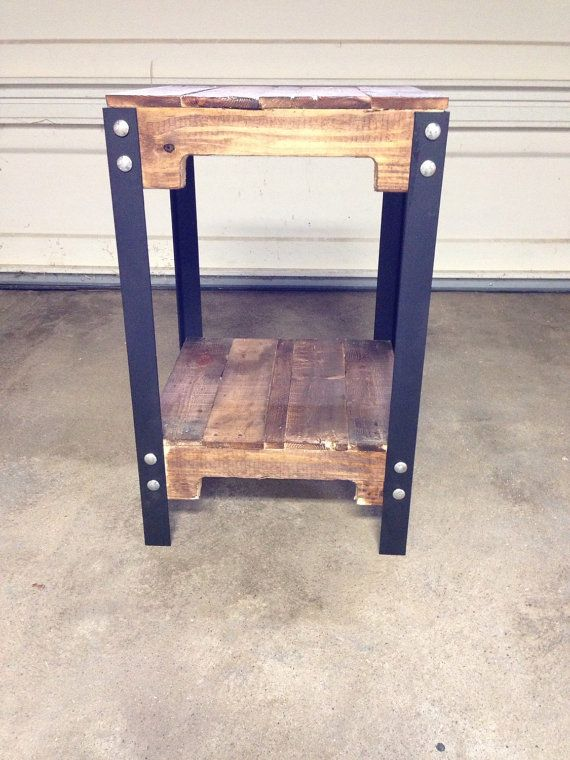 pallet furniture etsy. he encontrado este interesante anuncio de etsy en httpswwwetsy pallet furniturewww etsypallets furniture f