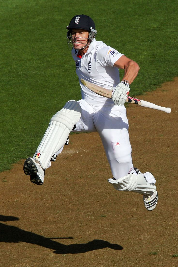 Nick Compton (Eng) 100, celebrates his 2nd consecutive century, vs New Zealand, 2nd Test, Wellington, 1st day, March 14, 2013