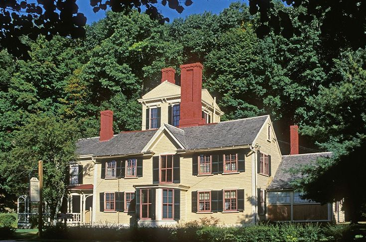 In 1852 Nathaniel Hawthorne purchased the Wayside, an 18th-century Colonial-style home in Concord, Massachusetts, where the novelist wrote a few of his final pieces of fiction.