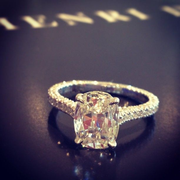 Another timeless beauty brought to you by Henri Daussi #engagement #HenriDaussi
