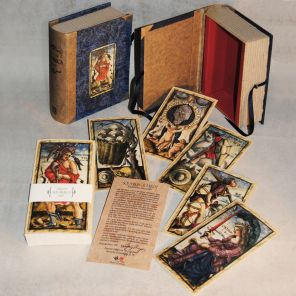 Box created by Letizia Rivetti for the SOLA BUSCA TAROT 1491 (Wolfgang Mayer's version 1998)