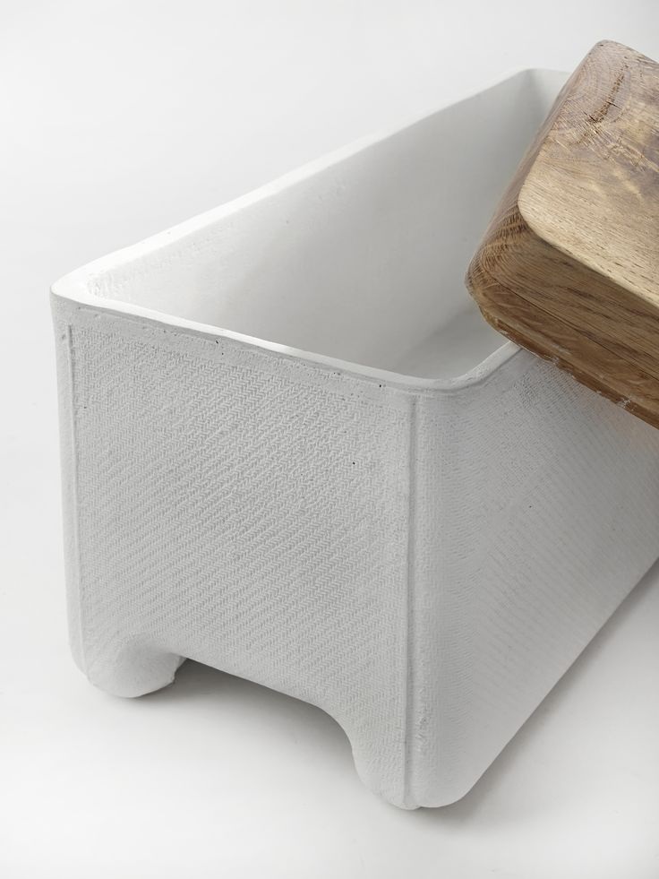 Serax white concrete storage box with chunkiest of oak lids……love it!