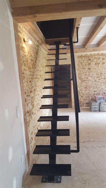 Escalier droit limon central | Forge-Création & Patrimoine