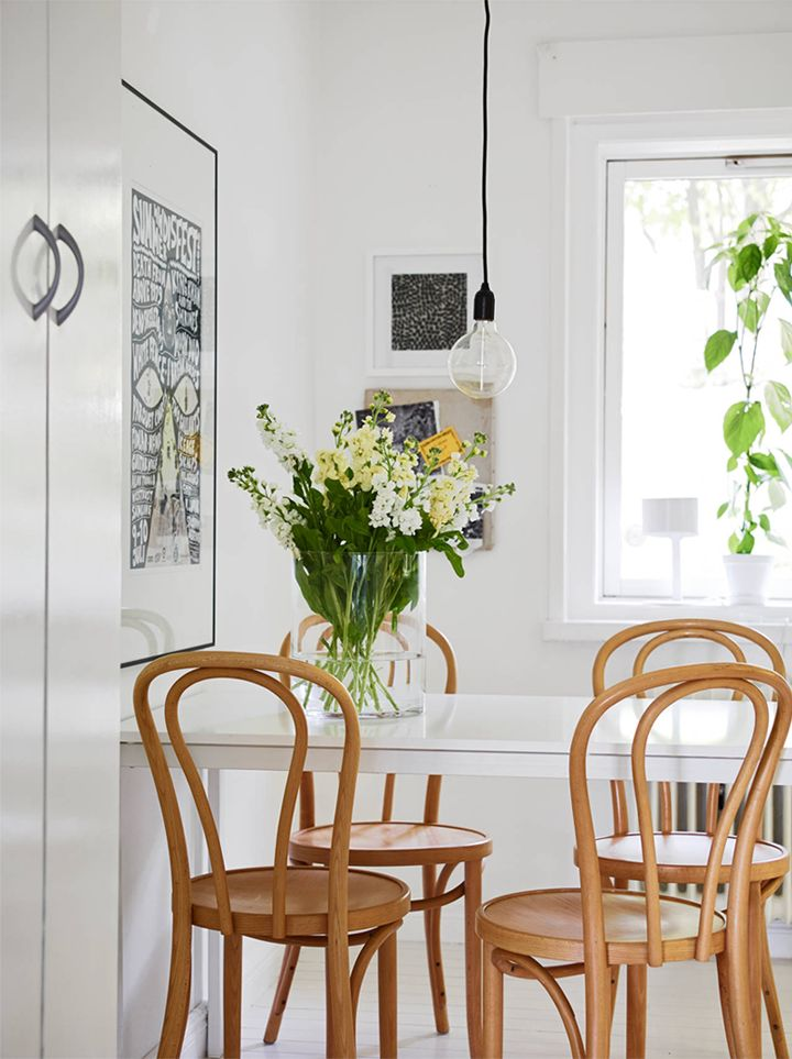 SMALL AND SIMPLE DINING CORNER