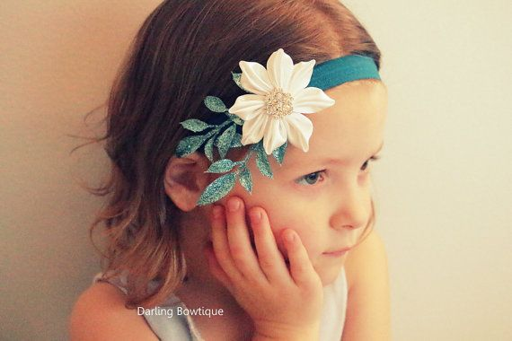 White Kanzashi Flower with Sparkle Leaves on by darlingbowtique