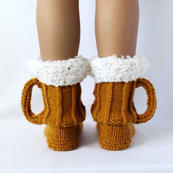 Beer & shrimp socks, Beer socks, Ale socks, beer glass socks. Very warm and cozy, perfect for cold winters, to run around the house. SHIPPING: all