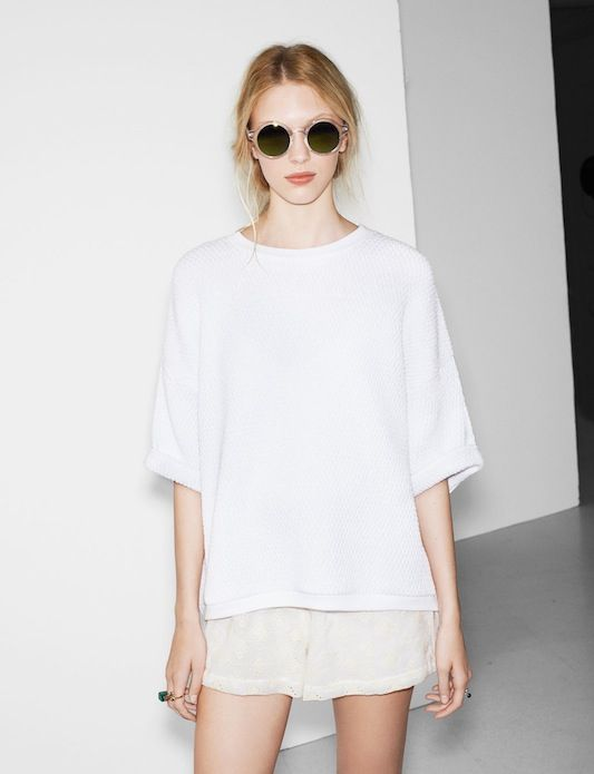 oversized top + white shorts + shades : effortlessly chic, minimalist: all white