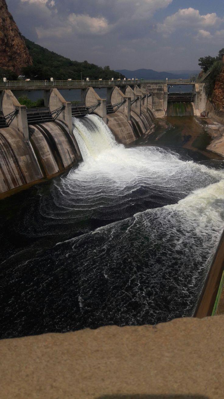 Sleuths open the flood gates of Haartebespoort Dam