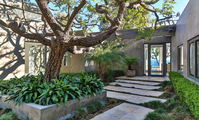 Producers Kathleen Kennedy and Frank Marshall Buy Malibu Modern | Variety