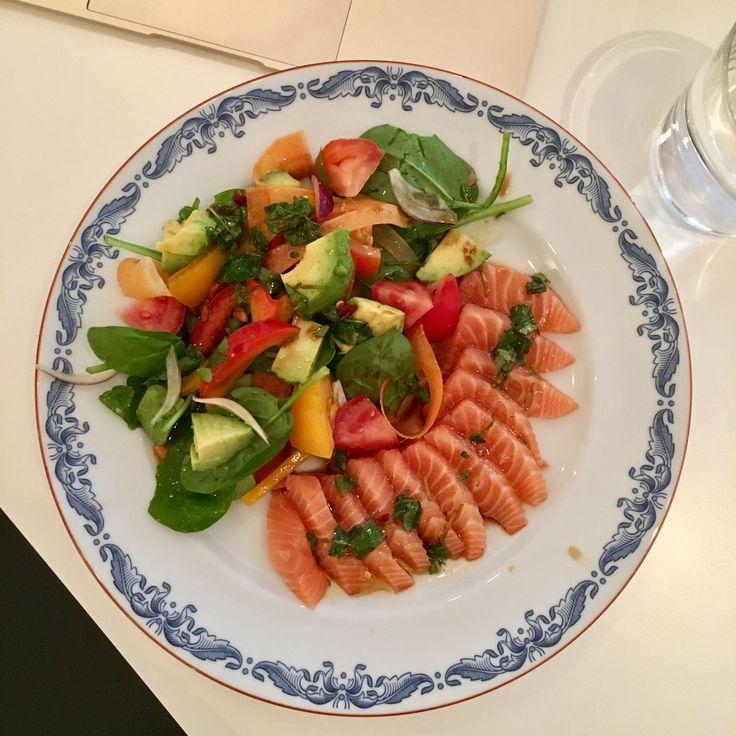 Recept: Sallad med asiatisk dressing – Michaela Forni