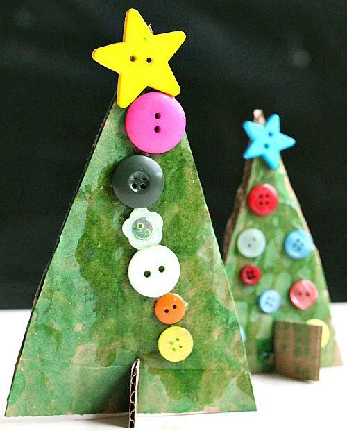 Button Christmas trees made from recycled cardboard that REALLY stand up! Adorable Christmas craft perfect for all ages.
