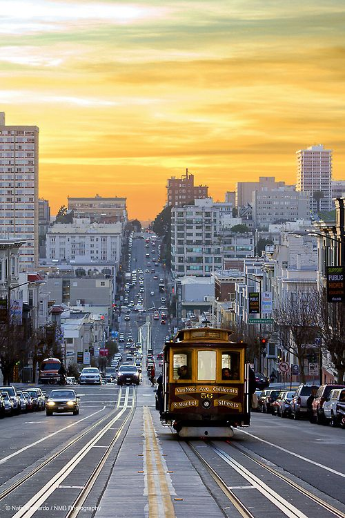 Sunset down California St., San Francisco | California (by Nathaniel Bernardo)
