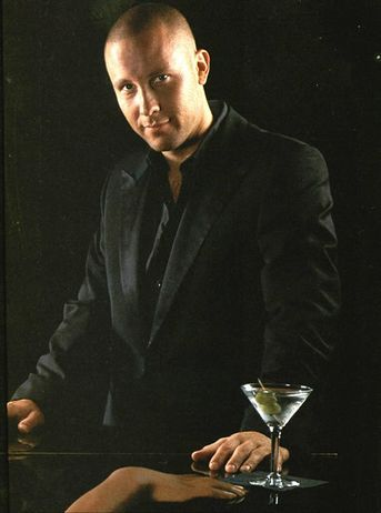 Michael Rosenbaum as Lex Luthor in Smallville. Discover Michael Rosenbaum in full episodes of IMPASTOR at http://www.tvland.com/shows/impastor/watch-impastor.