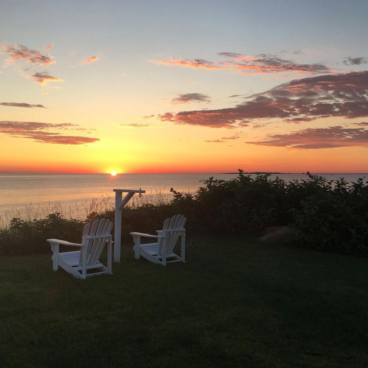 The land of the free, because of the brave. From our family to yours, we hope you enjoyed a peaceful holiday weekend. #sunrise #freedom #grateful  #lifewelllived