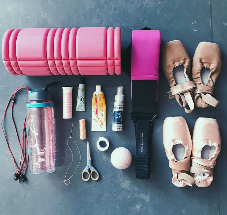 ALISON STROMING @alisonstroming_ // Dance essentials #Flexistretcher