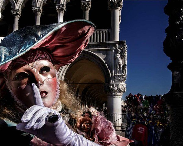 Venice Carnival – In Love with Color   Traveler - Yahoo! Lifestyle India