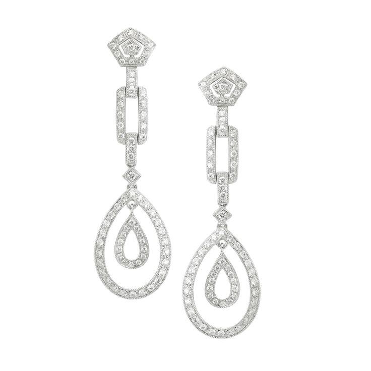 #oro #pendientes #joya #joyas #diamante #diamantes #borneojoyas #joyeria #lujo Pendientes de oro blanco con diamantes. El peso total de diamantes es de 0,81 Quilates