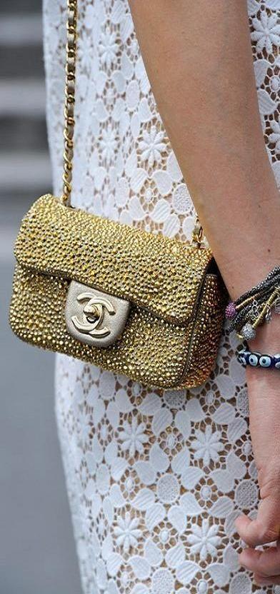 Chanel - 2.55 - bolsos - moda - complementos - bag - fashion - accessories http://yourbagyourlife.com/ Love Your Bag.