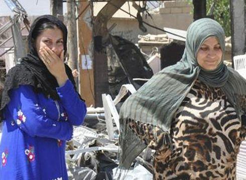 Figaro Madame. 28.07.14 Syrie : une agence matrimoniale créée par les djihadistes. Il est désormais possible pour les Syriennes, en accord avec « la politique » de l'État islamique, de s'inscrire dans une agence matrimoniale afin d'épouser un combattant du groupe ultra-radical. C'est à Al-Bab, une ville située au nord-est d'Alep, que le premier bureau à ouvert.