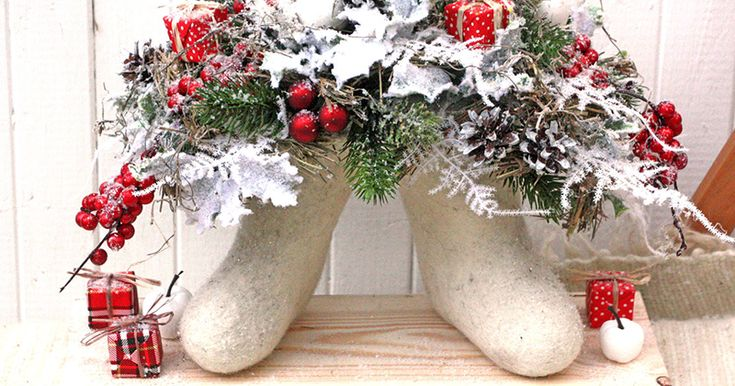 Купить Валеночки - ярко-красный, белый, валенки, русская зима, композиция зимняя, подарок