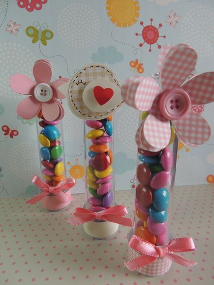Tubete para lembrancinhas.    Posso fazer as flores e passarinhos com outras cores.    Feitos com material de scrapbook.    Tubete sem doce, somente a embalagem. R$ 4,80