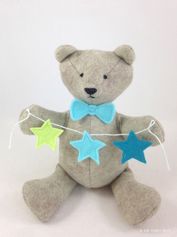 My Fall 2015 Kid Giddy dies with Sizzix include this fun loving BEAR - with little extras like the star, heart, bow and rattle shapes for personalizing.