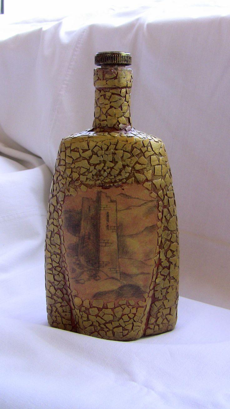 """""""Горская"""" бутылка. Яичный кракелюр и рисунок карандашом. Декор бутылок, яичная скорлупа, кракелюр, рисунок карандашом, мужской подарок."""