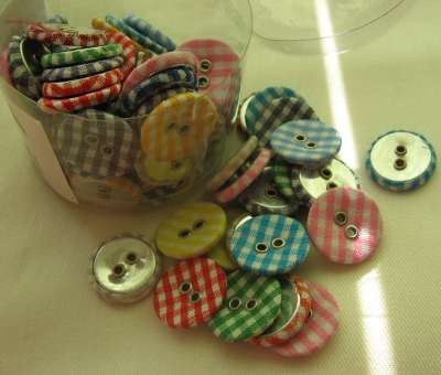 Buttons x 80 - Check pattern