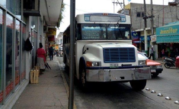 Transporte público permite úrbanos con mas de 20 años de servicio - http://www.esnoticiaveracruz.com/transporte-publico-permite-urbanos-con-mas-de-20-anos-de-servicio/