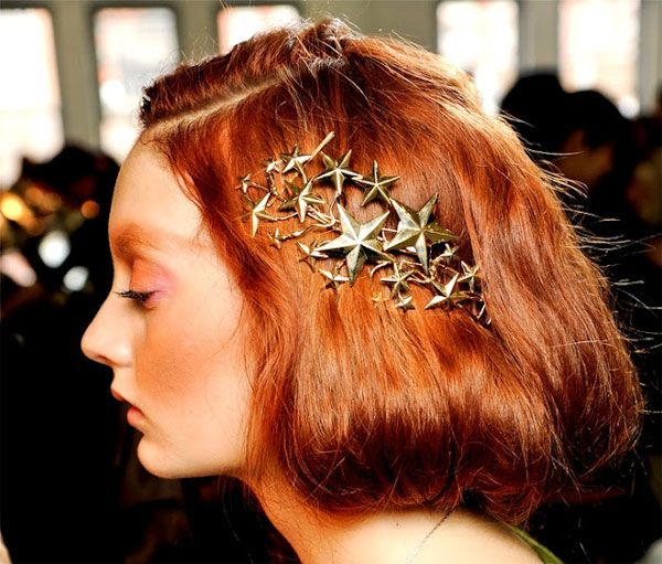 Still obsessed with this hair accessory: DIY Glitter Star Hair Pin (Rodarte Inspired)
