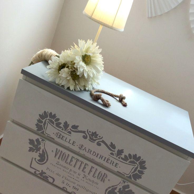 Romantic drawers