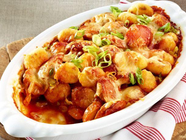 Unser beliebtes Rezept für Currywurst-Gnocchi-Auflauf und mehr als 55.000 weitere kostenlose Rezepte auf LECKER.de.