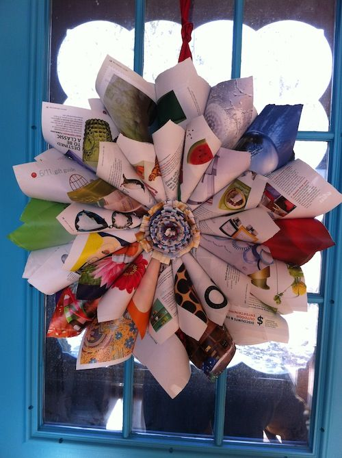 Magazine Wreath: Books Pages, Relationships Asian Woman, Paper Wreaths, Dating Asian Woman, Magazines Wreaths, Flowers Wreaths, Girls Asian Woman, Asian Girls, Wreaths Ideas