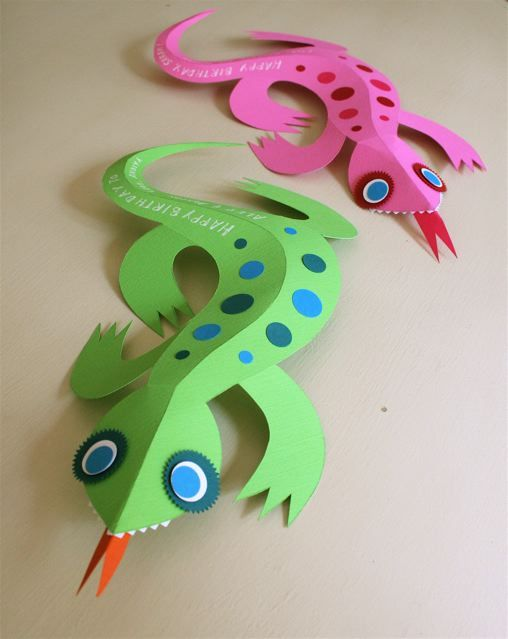 3D Paper Lizard. (X) I used this craft for story time my co-worker and I did at a daycare. But the kids were much younger than we were told, so they just decorated the lizard with sticker dots.