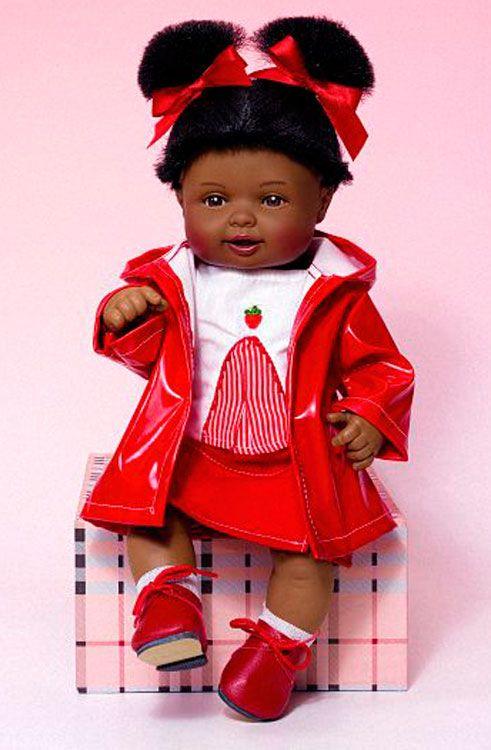 Cuco Con Conjunto Impermeable Rojo - Tienda De Muñecas De Miel De Abeja - Diversal