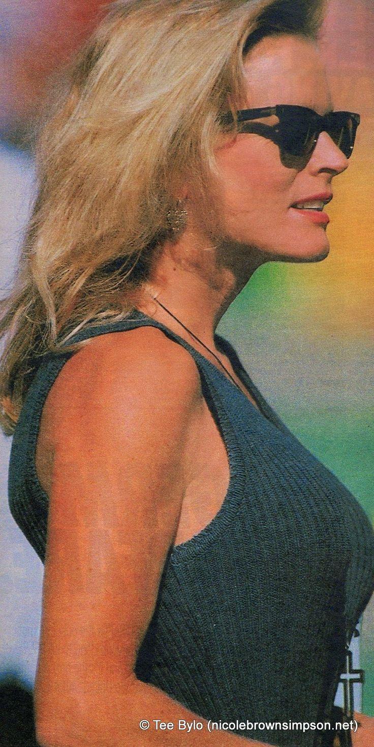 Nicole+Brown+Simpson+(October+1993).jpg (802×1600)