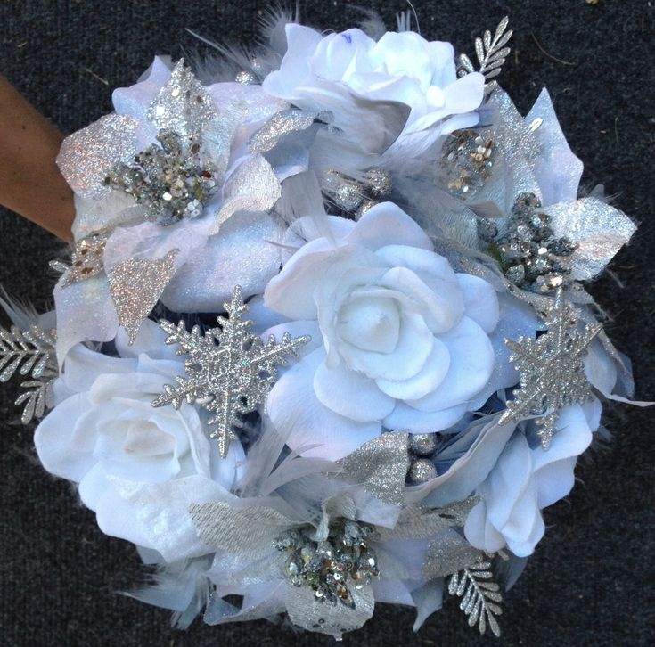DRAMATIC Winter Wonderland Feathers Flowers Bridal Bouquet White/Silver Snowflake BLING WEDDING