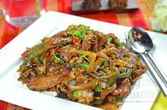Authentic Thai Pad Kee Mao - spicy drunken noodles by the High Heel Gourmet 1