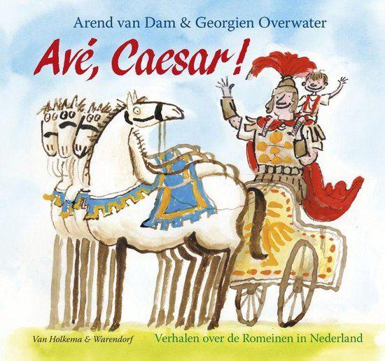 Ongeveer vijftig jaar voor onze jaartelling stuurde Julius Caesar zijn soldaten naar Nederland. Pas vierhonderd jaar later verdwenen ze weer. Wat is er in die tijd allemaal gebeurd? Dat kun je lezen in het grappige, spannende én leerzame boek Avé, Caesar!