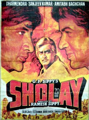Usage of imagery and other latest techniques has rendered Bollywood poster making pretty funky. In fact, poster making has graduated from splashing movie characters to depicting moviestory-line.Return of hand painted postersThe old-world ha