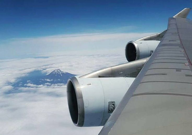 What a fantastic view Inflight shot from a Cathay Pacific Boeing B747-400 to Hong Kong this morning! While flying above Japan the Mount Fuji was visible! Great photo taken by @samchuiphotos #InstagramAviation by instagramaviation